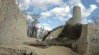 Ruiny zamku w Smoleniu - marzec 2014, po odbudowie części murów