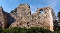 Ruiny zamku w Bydlinie, wrzesień 2013, po odbudowie murów